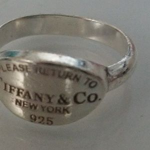 Tiffany&co Sterling silver oval ring
